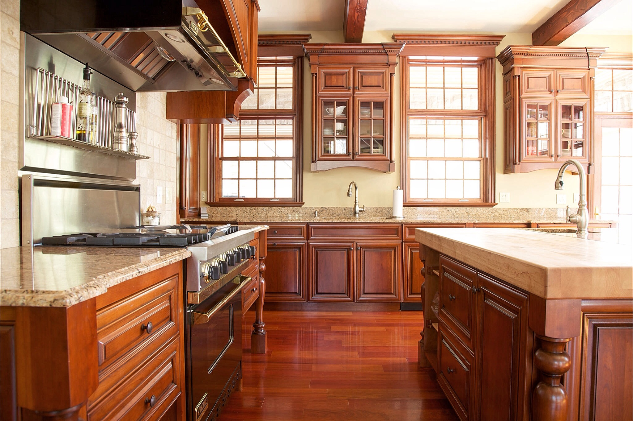 Barr cabinets custom kitchen cabinetry in kingston ontario for Kitchen design kingston